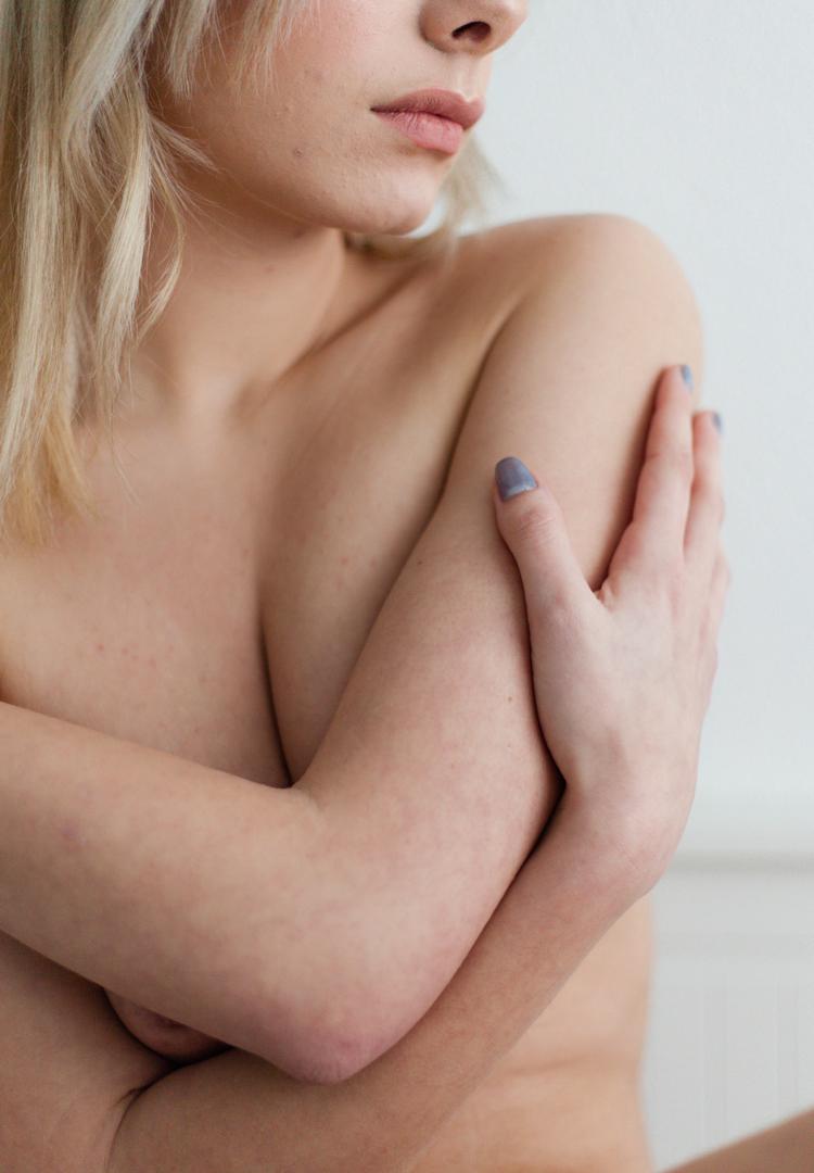 Photo artistique d'une femme nue